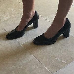 Ann Taylor Made in Italy Black Leather Pumps 8 1/2